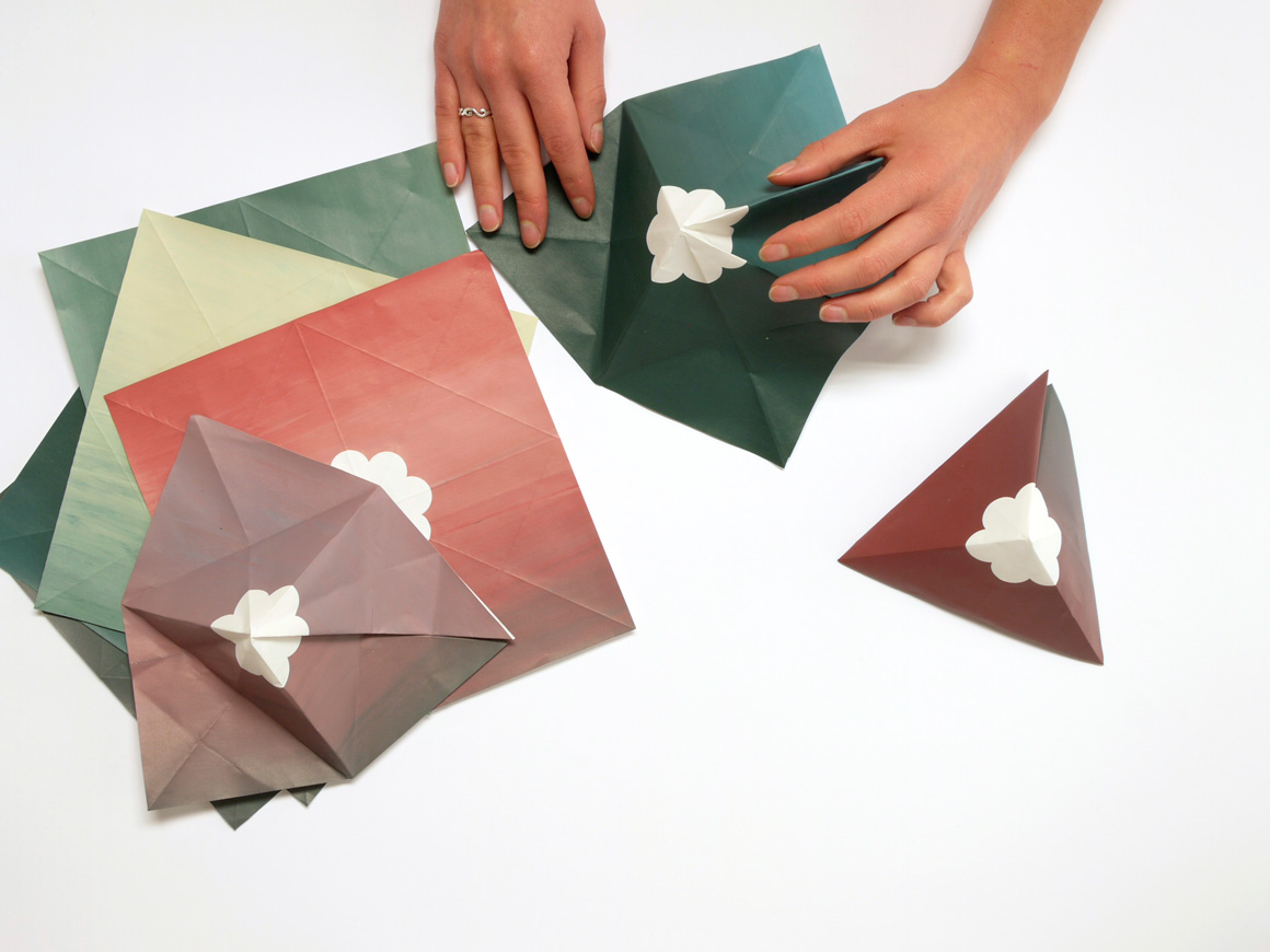 paper mountains by Laura Alarcon and Maxime Gau